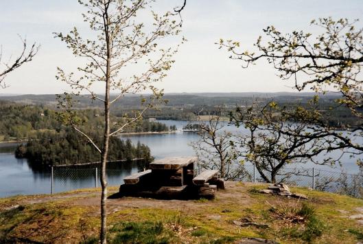 Biketommy - Stora Hålsjön, Liagården, east of Hyssna 1998
